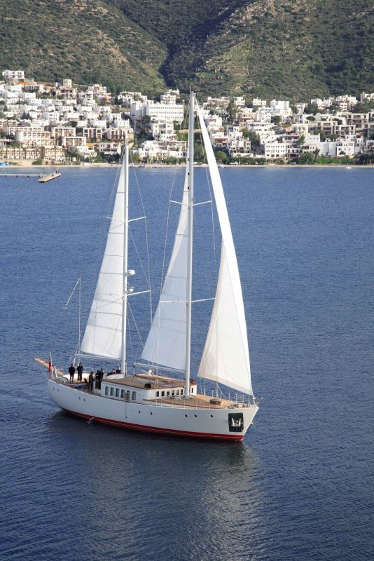 Diva Yacht
